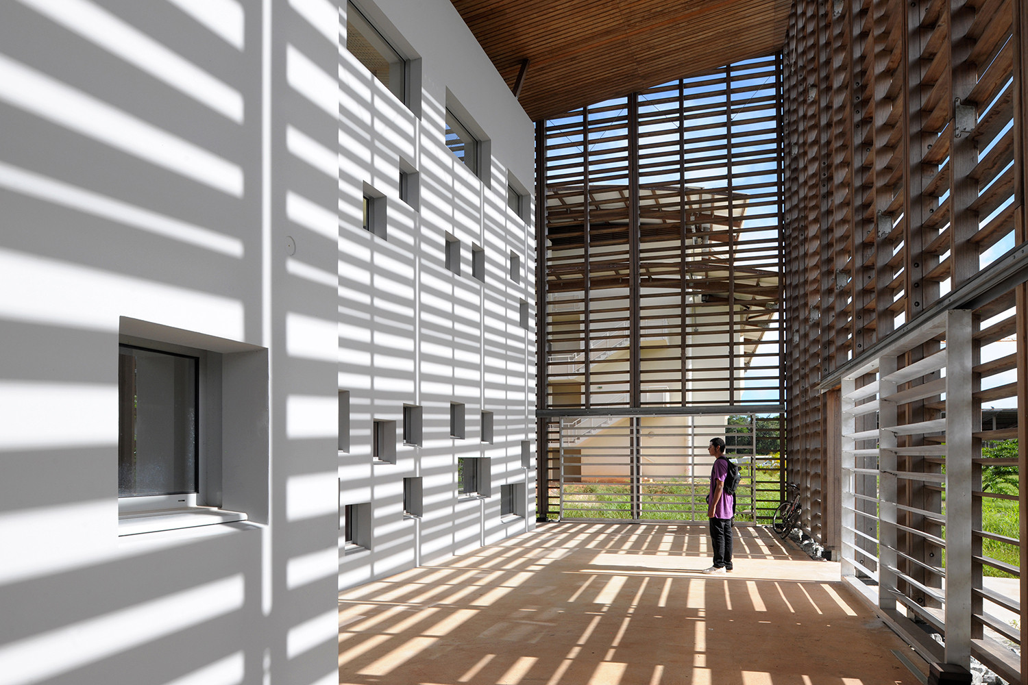 new university library in cayenne / rh+ architecture | archdaily
