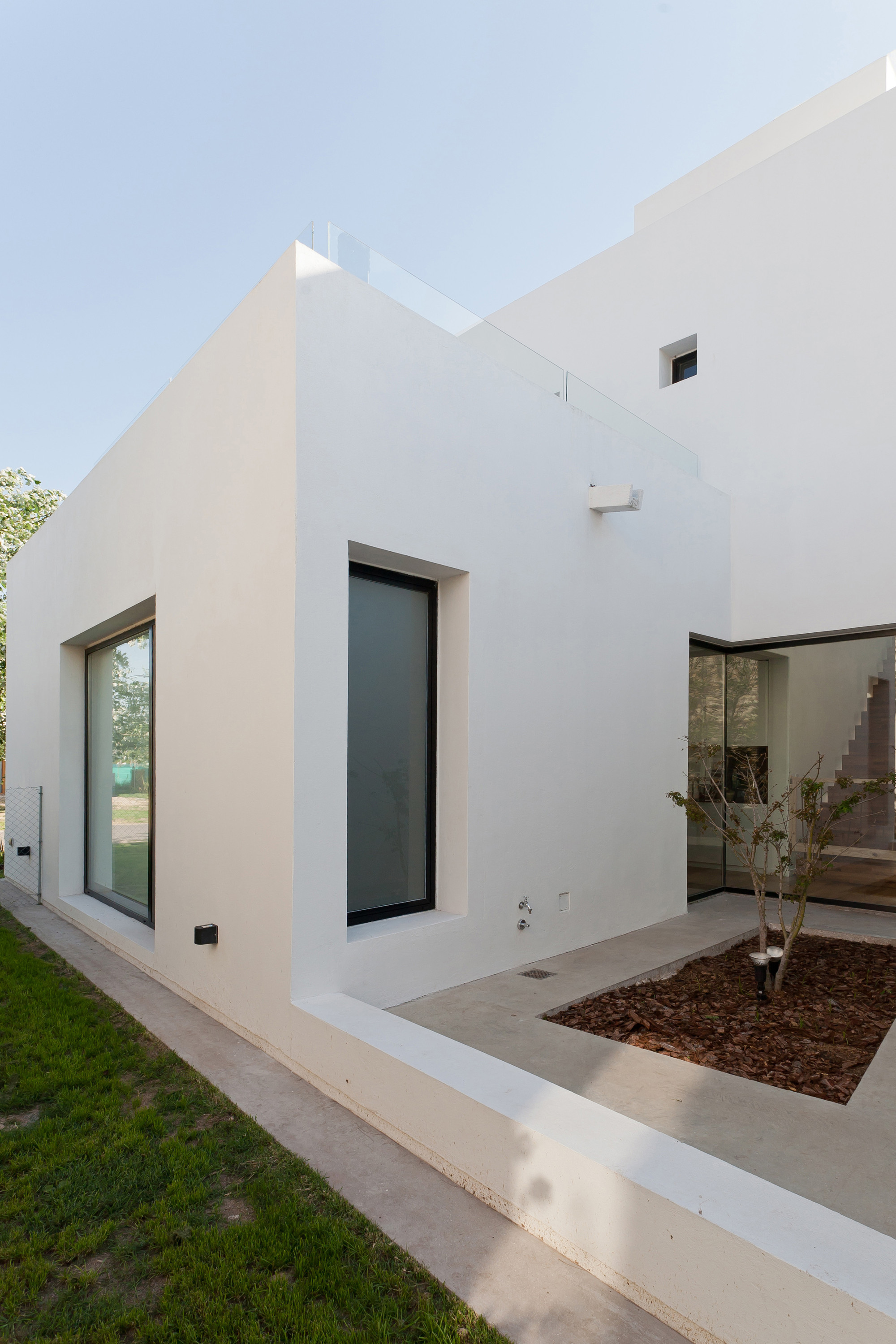 Gallery of mc house vismaracorsi arquitectos 2 - Planos de casas alargadas ...