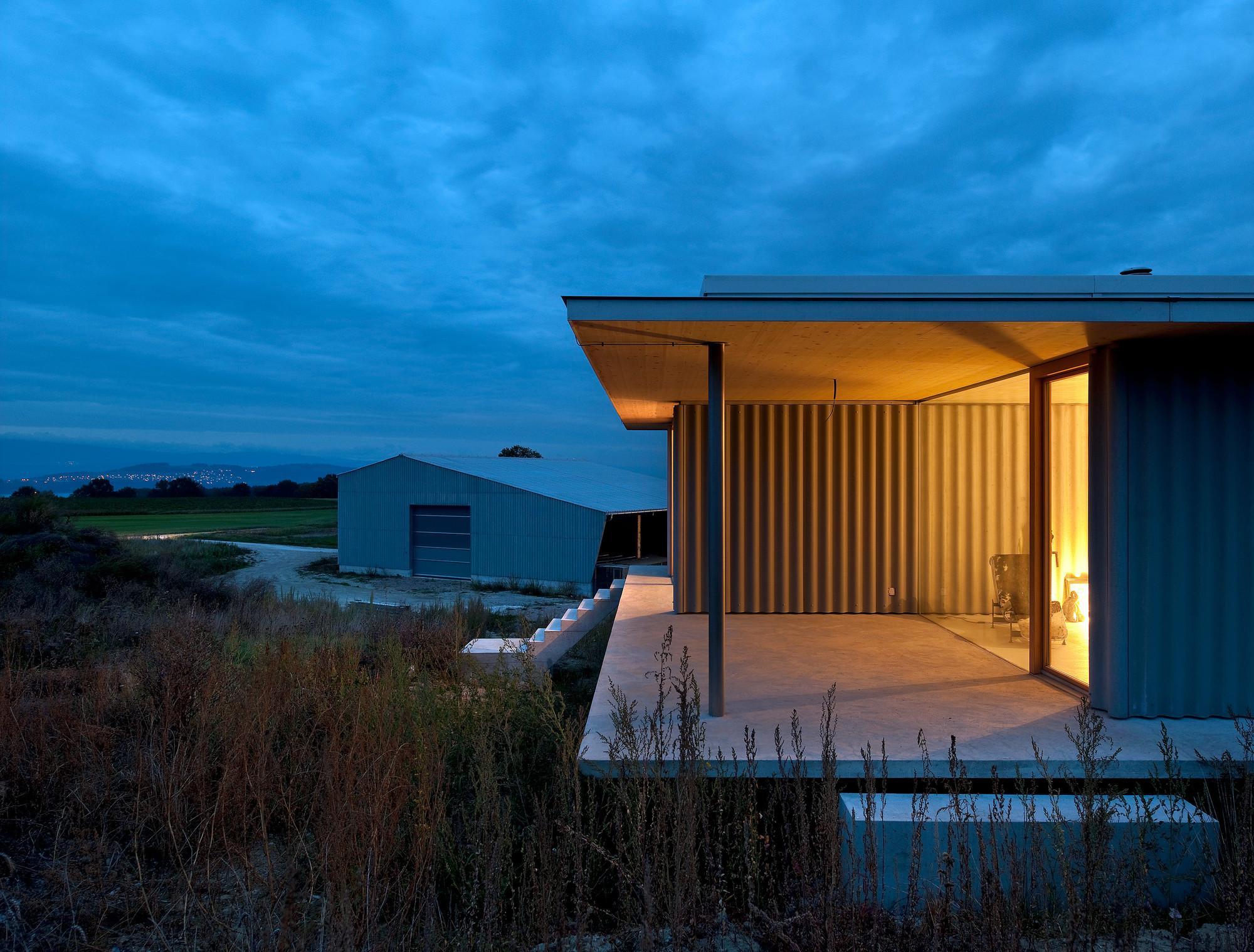 Barn and Dwelling G / Aeby Aumann Emery architectes
