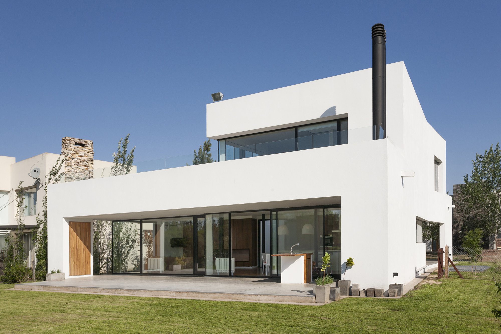 Galer a de casa mc vismaracorsi arquitectos 16 for 16 wrestlers and their huge homes