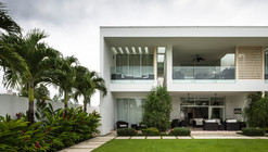 Playa Vida Residence / Casis Architects