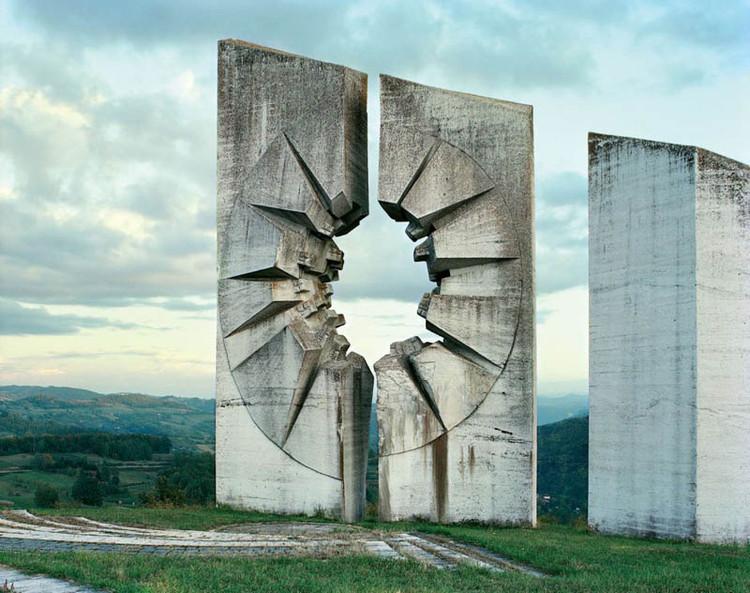 23 monumentos esquecidos da ex-Iugoslávia , Kadinjača. Image © Jan Kempenaers