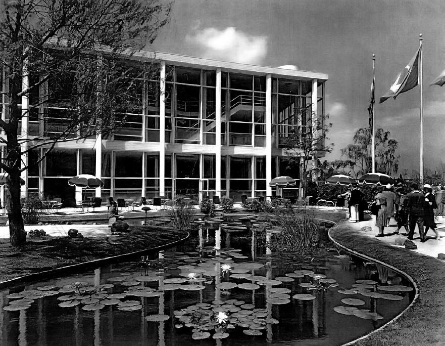 Clássicos da Arquitetura: Pavilhão de Nova York 1939 / Lucio Costa e Oscar Niemeyer, Courtesy of Carlos Eduardo Comas, via revista ArqTexto n.16