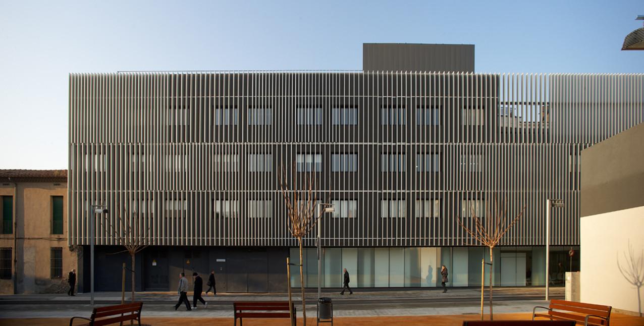 Hospital sociosanitario de mollet mario corea for Parasoles arquitectura