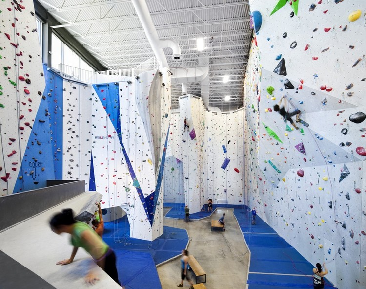 Allez UP Rock Climbing Gym / Smith Vigeant Architectes, © Stephane Brugger