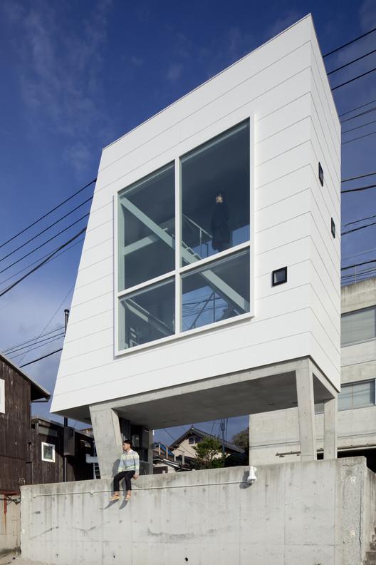 Casa Janela / Yasutaka Yoshimura Architects, Cortesia de Yasutaka Yoshimura