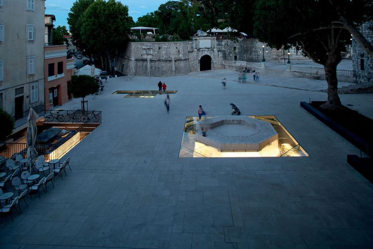 Petar Zoranić Square and Šime Budinić Plaza / Kostrenčić-Krebel, © Damir Fabijanić