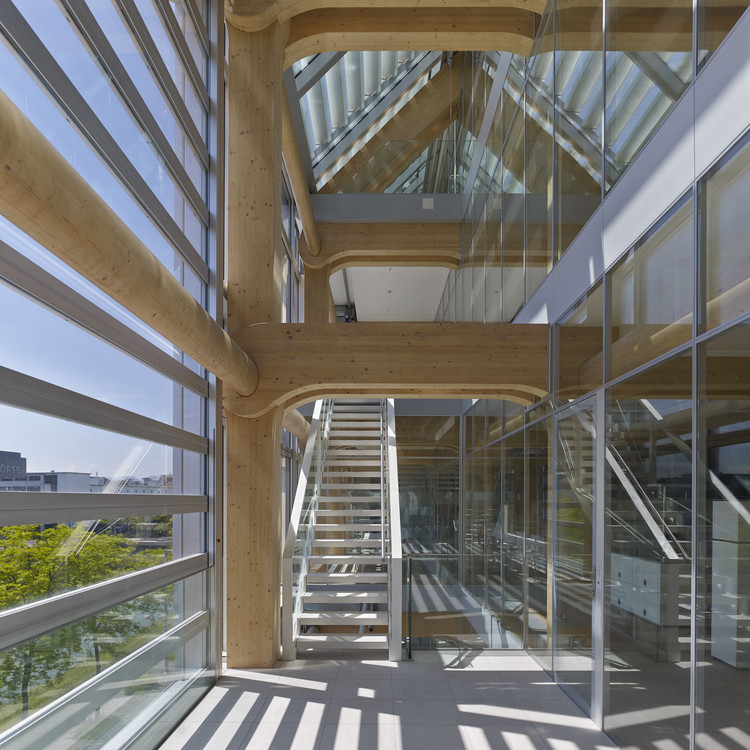 Edificio de oficinas tamedia shigeru ban architects Characteristics of modern office