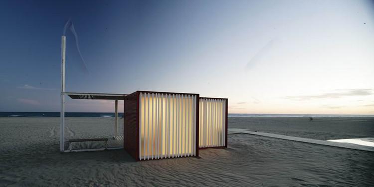Módulos de Praia  / Màrius Quintana Creus, © Adrià Goula
