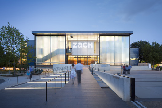 Topfer Theatre at ZACH / Andersson Wise Architects