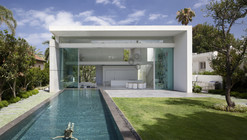 House Between 2 Gardens / Pitsou Kedem Architects