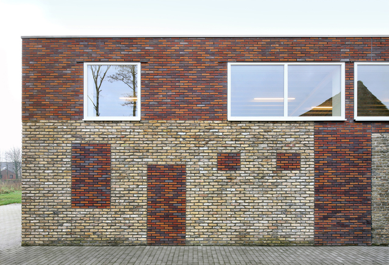 Westvleteren Community Center / Atelier Tom Vanhee, © Filip Dujardin
