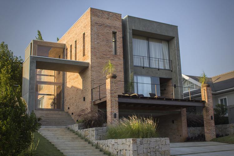 Loft / Karin Klassen Arquitetos Associados, © Jones Monteiro