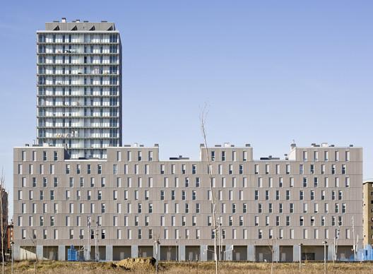 219 Habitações Sociais em Vitoria  / Francisco Mangado