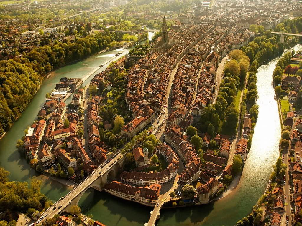 Arte y Arquitectura: 7 impresionantes registros aéreos de ciudades, Berna - Suiza. Imagen Cortesía de http://obviousmag.org/