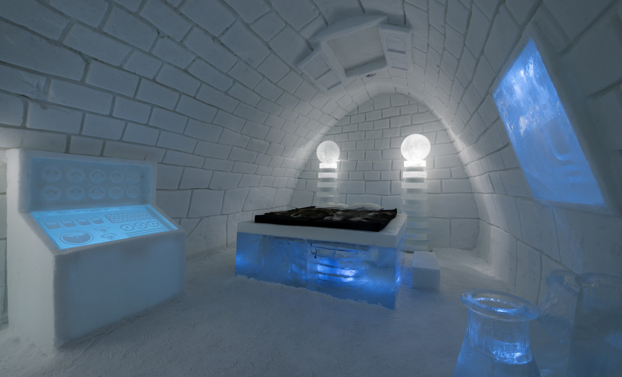 Gallery of A Place to Chill: Sweden's Ice Hotel - 1