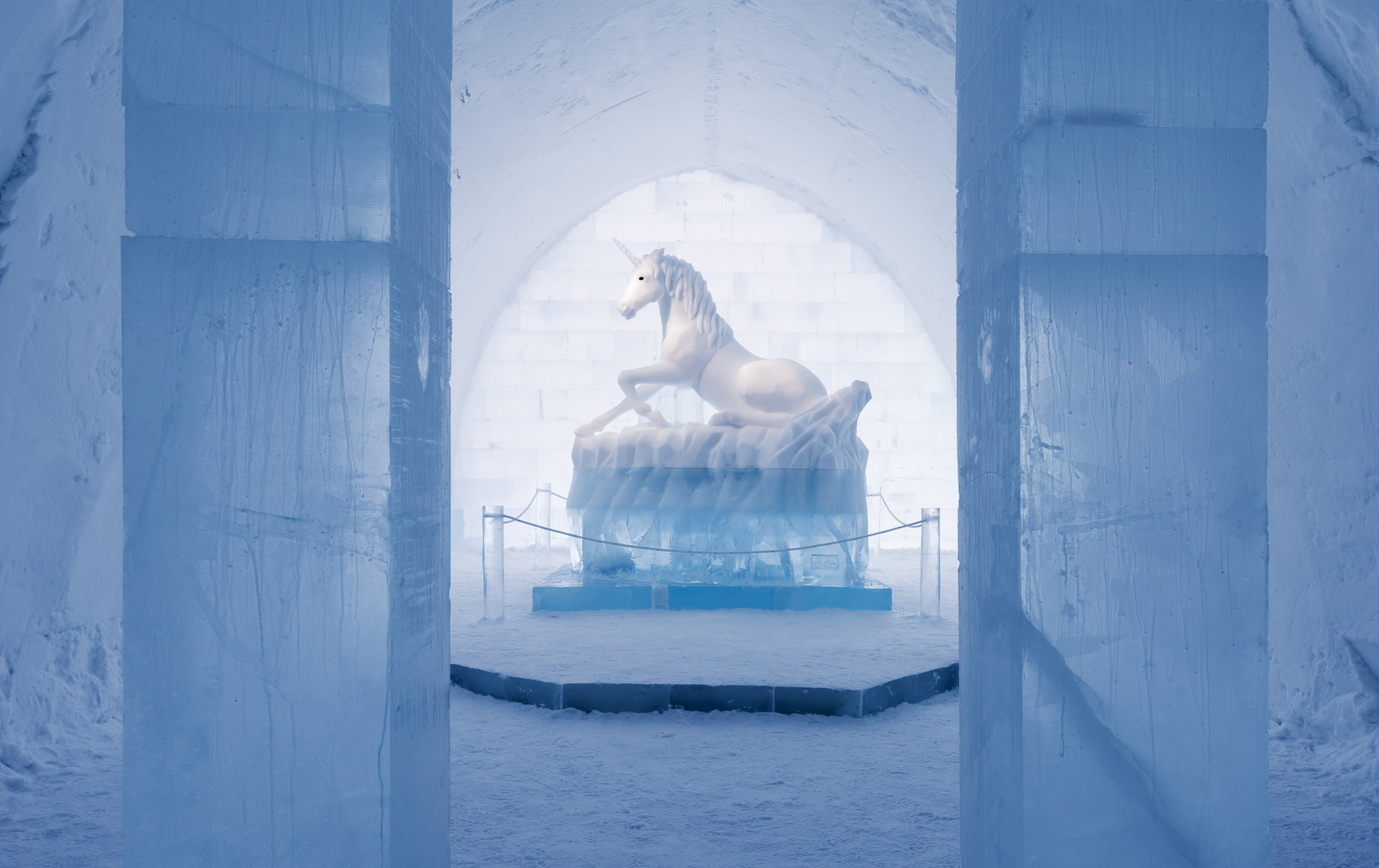 A Place to Chill: Sweden's Ice Hotel, 'Secret Garden' in the main hall of the ICEHOTEL, by artists AnnaSofia Mååg & Alessandro Falca. Image © Christopher Hauser