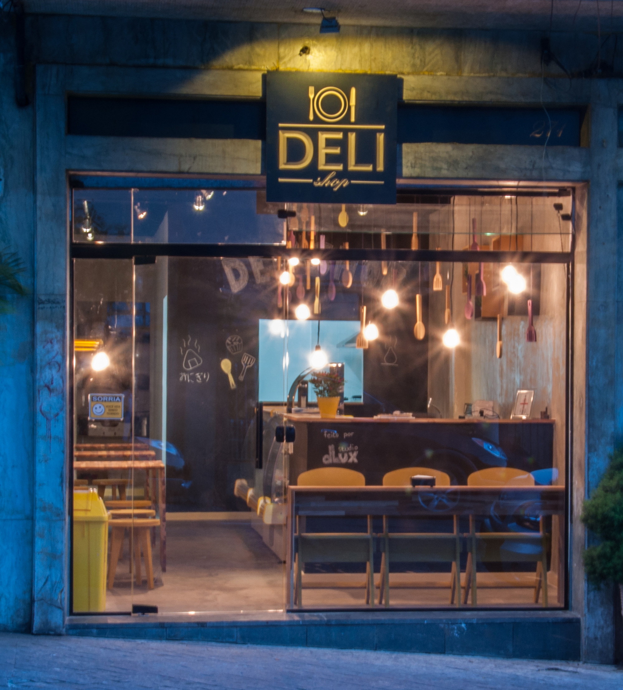 Deli Shop / Studio dLux ArchDaily Brasil #0D70B4 2000 2213