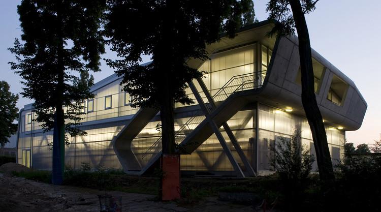 Centro de Deportes acuaticos / Oliver Mang Architekten, © Kai Bienert