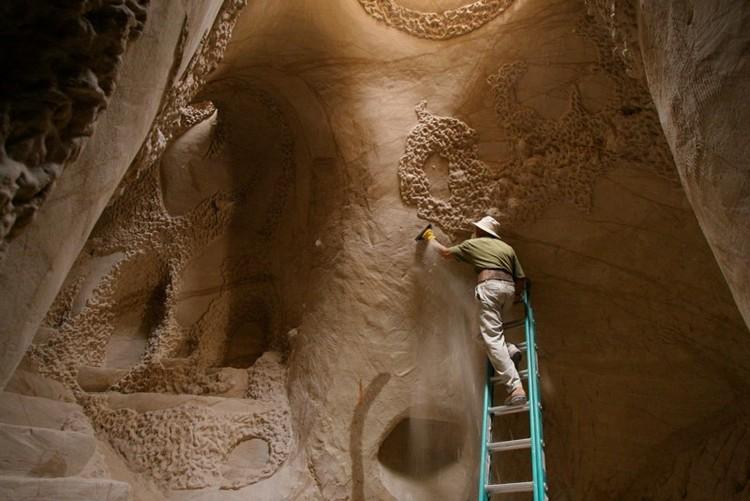 As catedrais subterrâneas esculpidas por um só homem no Novo México