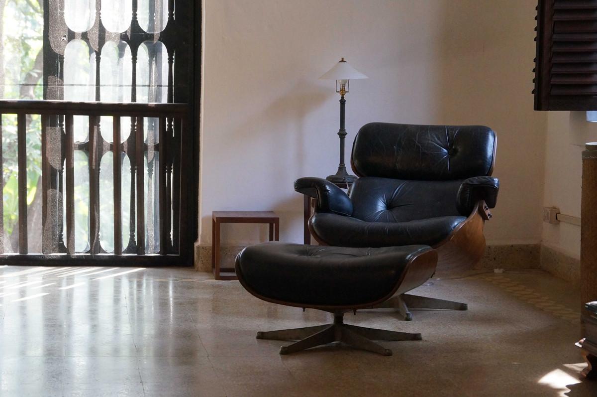 #5F4B3C Galería Al Interior de las Casas de Ocho Famosos Arquitectos 15 1200x797 px Banheiros De Arquitetos Famosos 1335