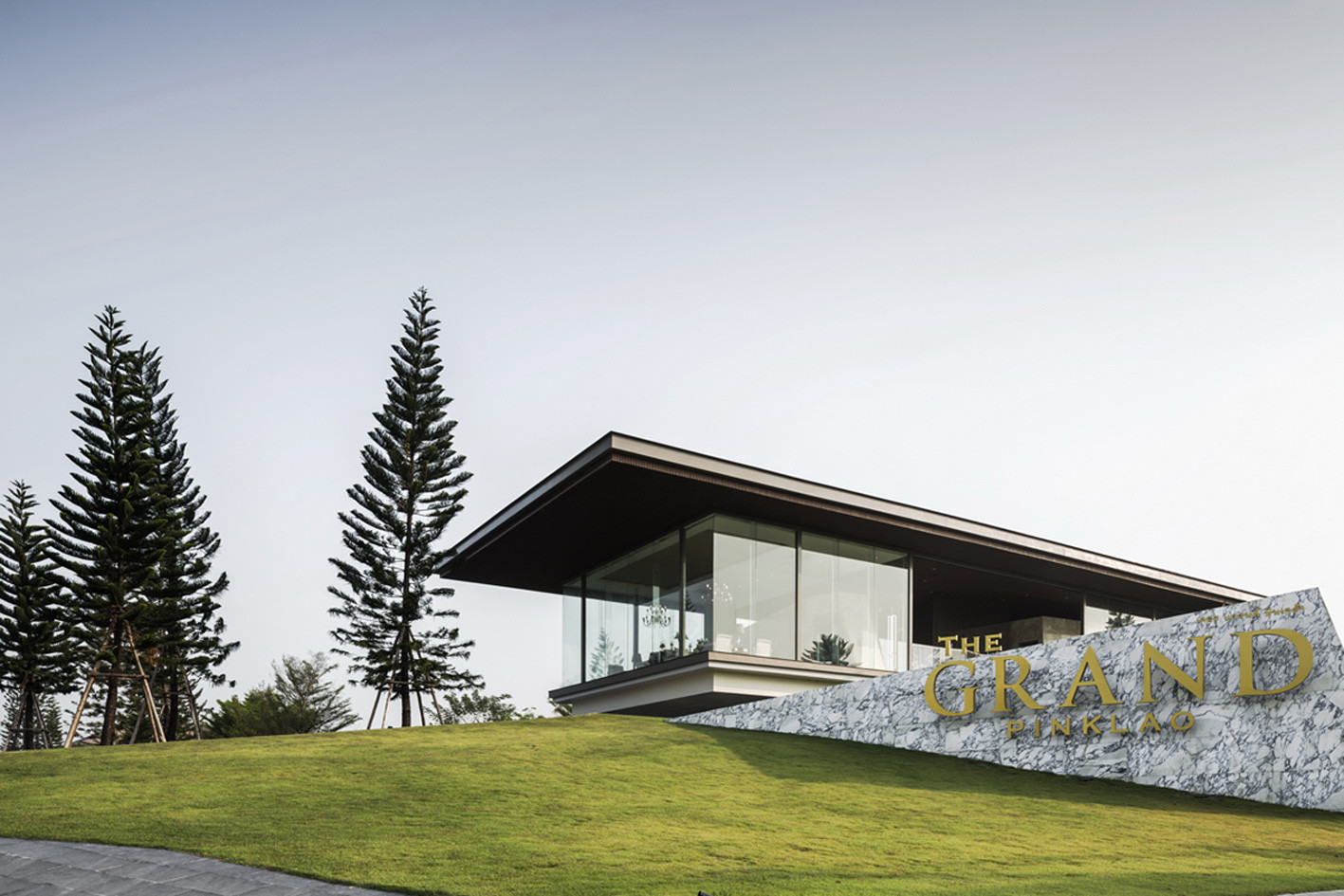 The Grand Pinklao Clubhouse / Office AT | ArchDaily