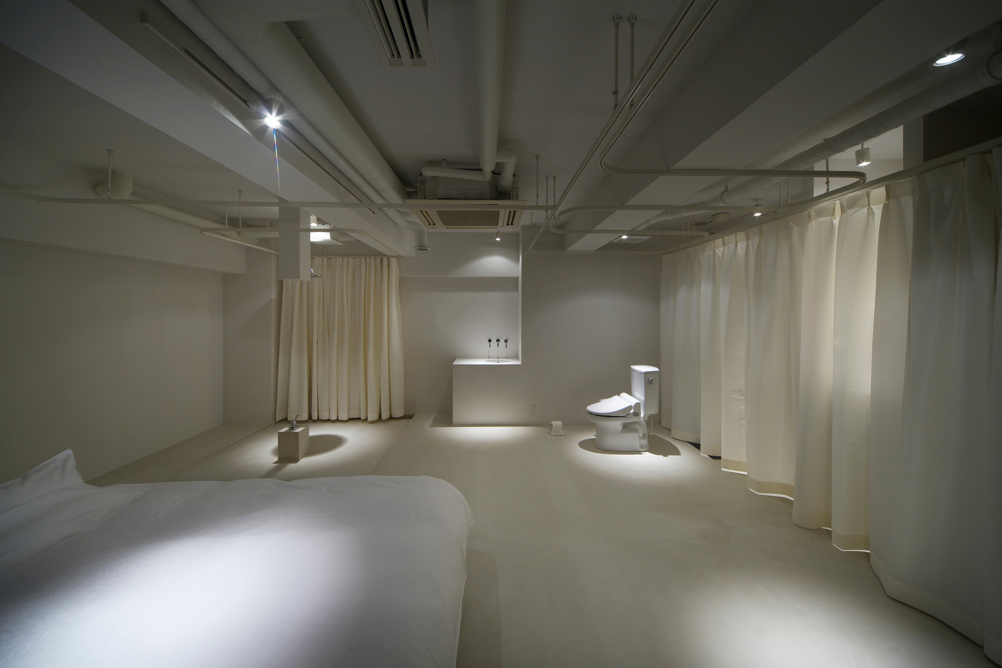 room 211 Hotel T'Point / Mifune Design Studio, © Yasunori Shimomura