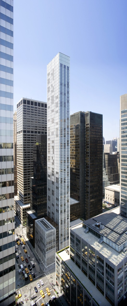 Torre super estreita de Norman Foster ultrapassará a altura do Seagram Building de Mies, 610 Lexington Avenue. Image Courtesy of Foster + Partners