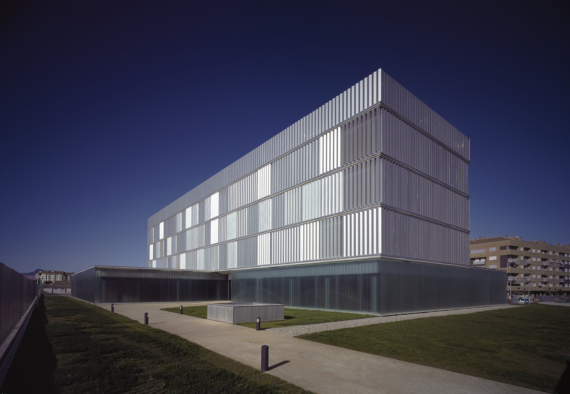 Police Headquarters in Logroño / Matos-Castillo Arquitectos