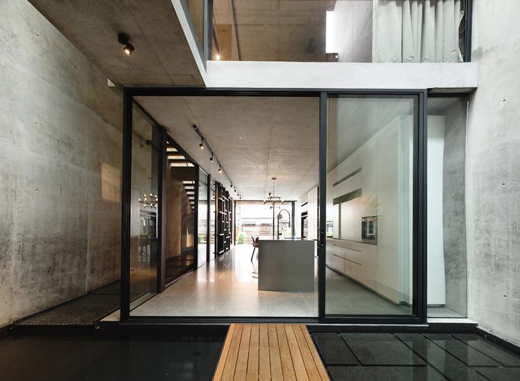 Casa en Belimbing / hyla architects, © Derek Swalwell