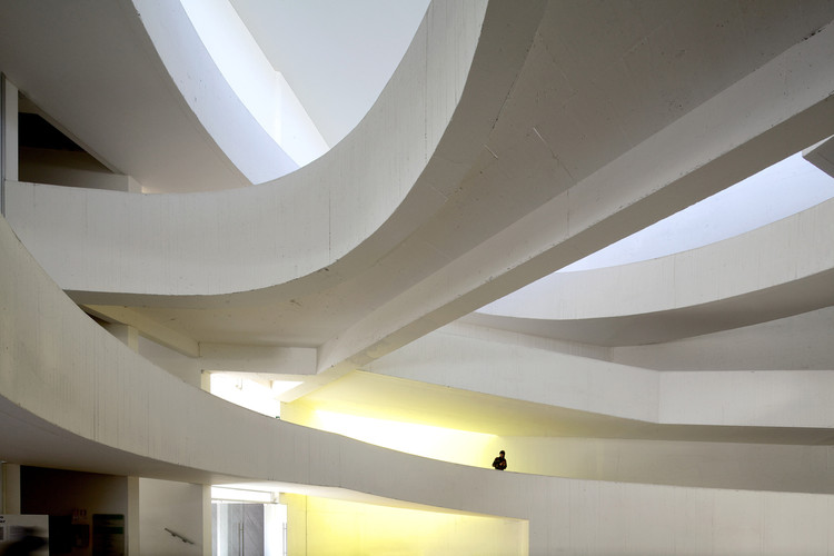 Instituto  Profesional Santo Tomas  (Cft – Ip) / Browne Swett Arquitectos, © Nico Saieh
