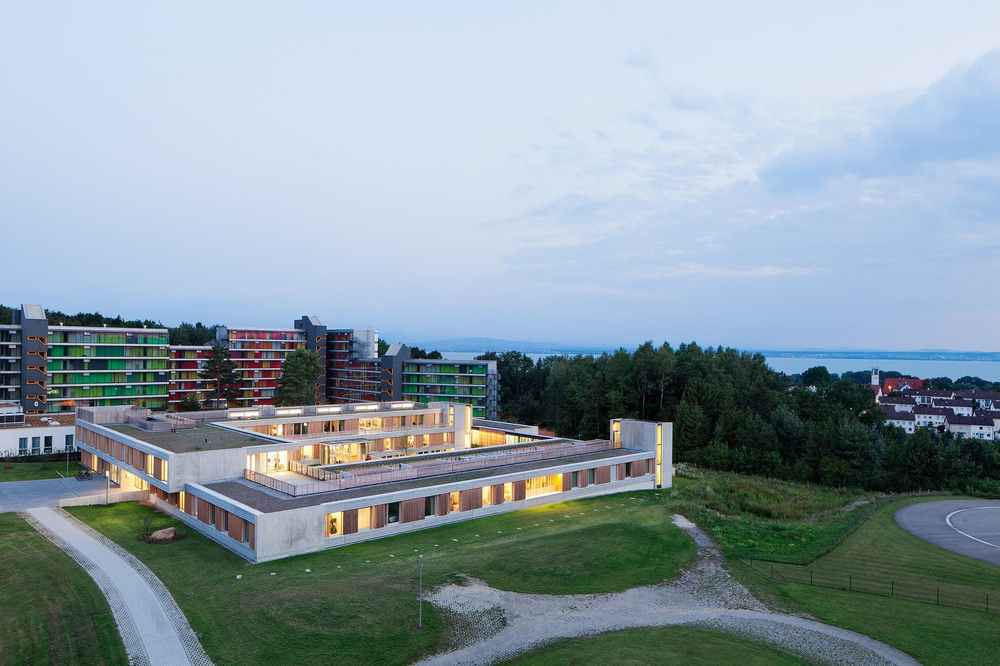 Psychiatric Centre Friedrichshafen / Huber Staudt Architekten, © Werner Huthmacher
