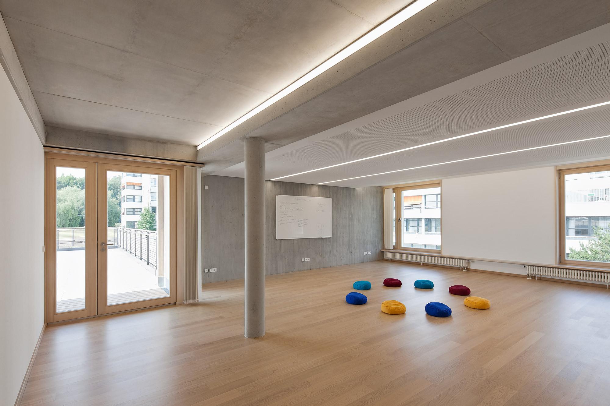 galeria centro psiqui trico friedrichshafen huber. Black Bedroom Furniture Sets. Home Design Ideas
