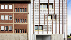 High School Extension  / SMS Arquitectos