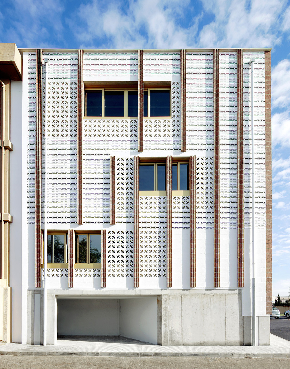 Gallery of high school extension sms arquitectos 9 - Colegio arquitectos palma de mallorca ...