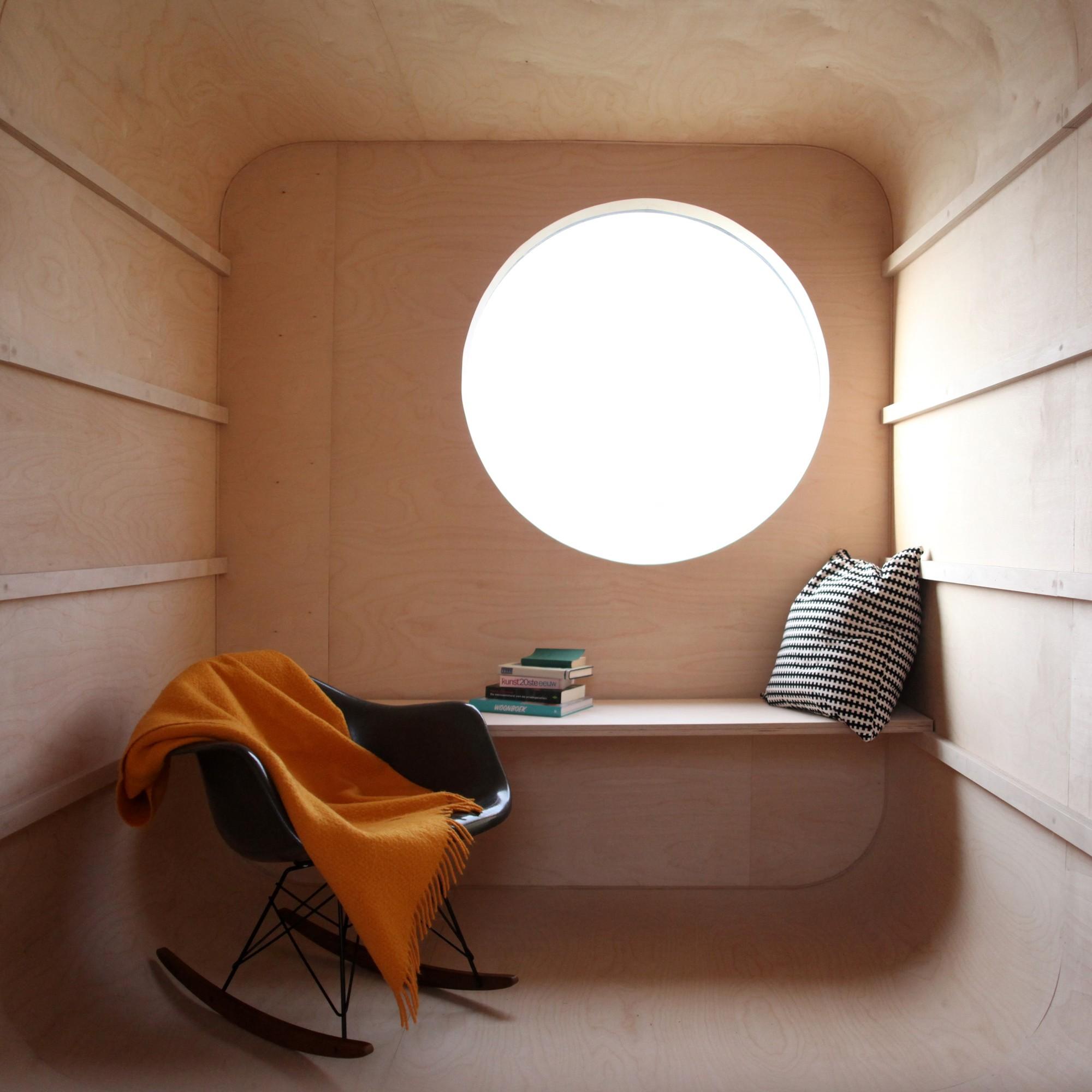 Construction Trailer Transformed Into Small Dwelling / Karel Verstraeten, Courtesy of Karel Verstraeten