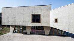 Centro Parroquial / Gianluca Gelmini