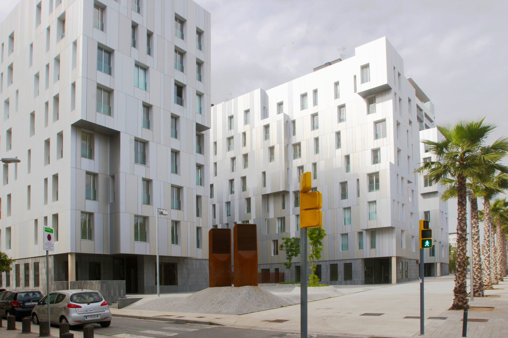 Triton Building / Saeta Estudi + Lluís Cantallops  + Juan Domingo, Courtesy of Saeta estudi