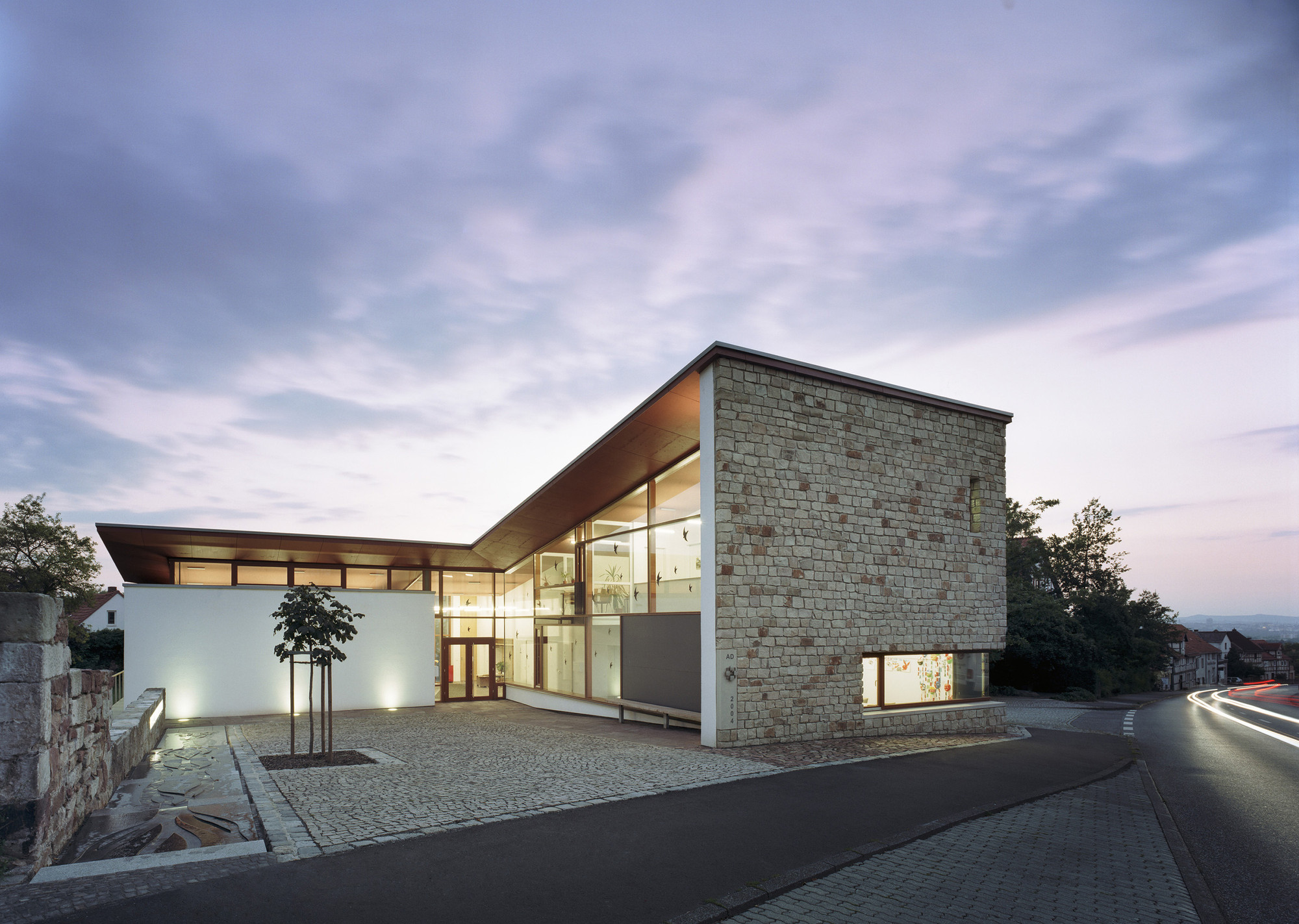 Community Centre Lohfelden / HHS Planer + Architekten AG, © Constantin Meyer