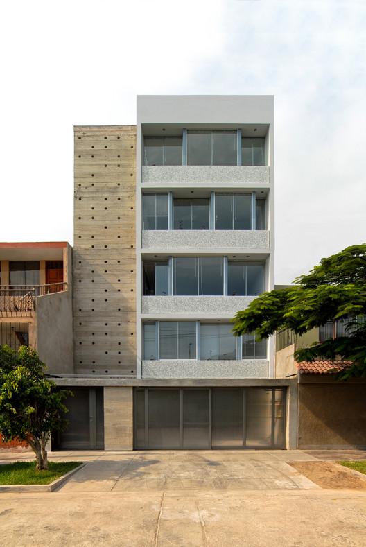 Edificio MQ   / Oscar Malaspina + Rodrigo Apolaya  + Rosa Aguirre, © Frederick Cooper