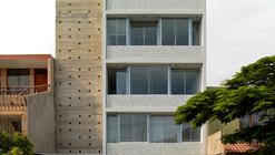 Edificio MQ   / Oscar Malaspina + Rodrigo Apolaya  + Rosa Aguirre