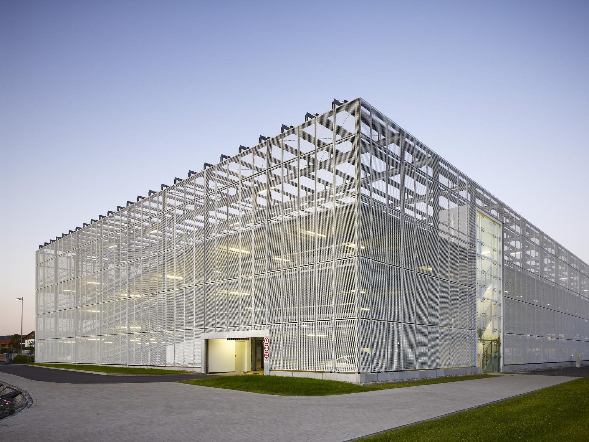 Neubau Parkhaus SMA  / HHS Planer + Architekten AG, © Constantin Meyer