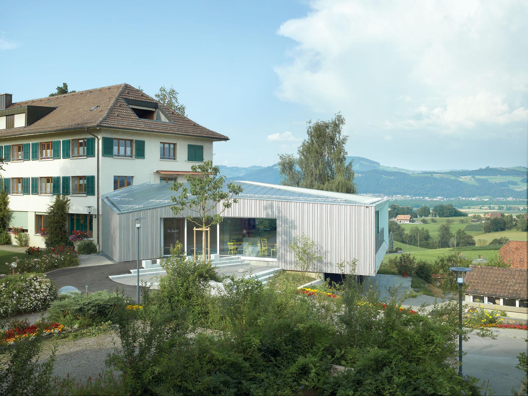 Alpenblick Restaurant / Büning-Pfaue Kartmann Architekten, © Ruedi Walti