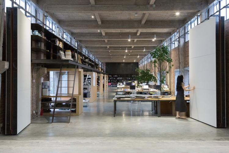 Silo-top Studio, Escritório na cobertura de um antigo armazém / O-OFFICE Architects, © Likyfoto