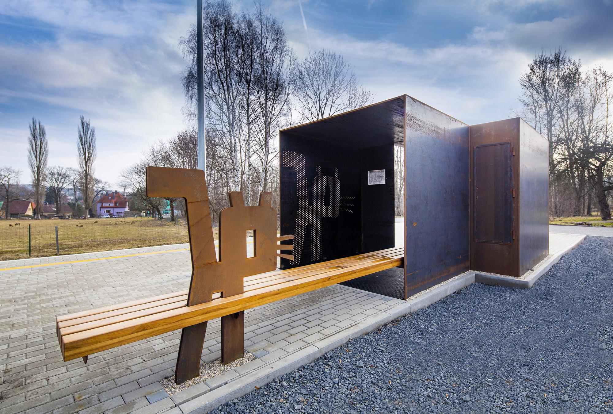 Train Stop Varnsdorf – Pivovar Kocour / Domyjinak, Courtesy of Domyjinak