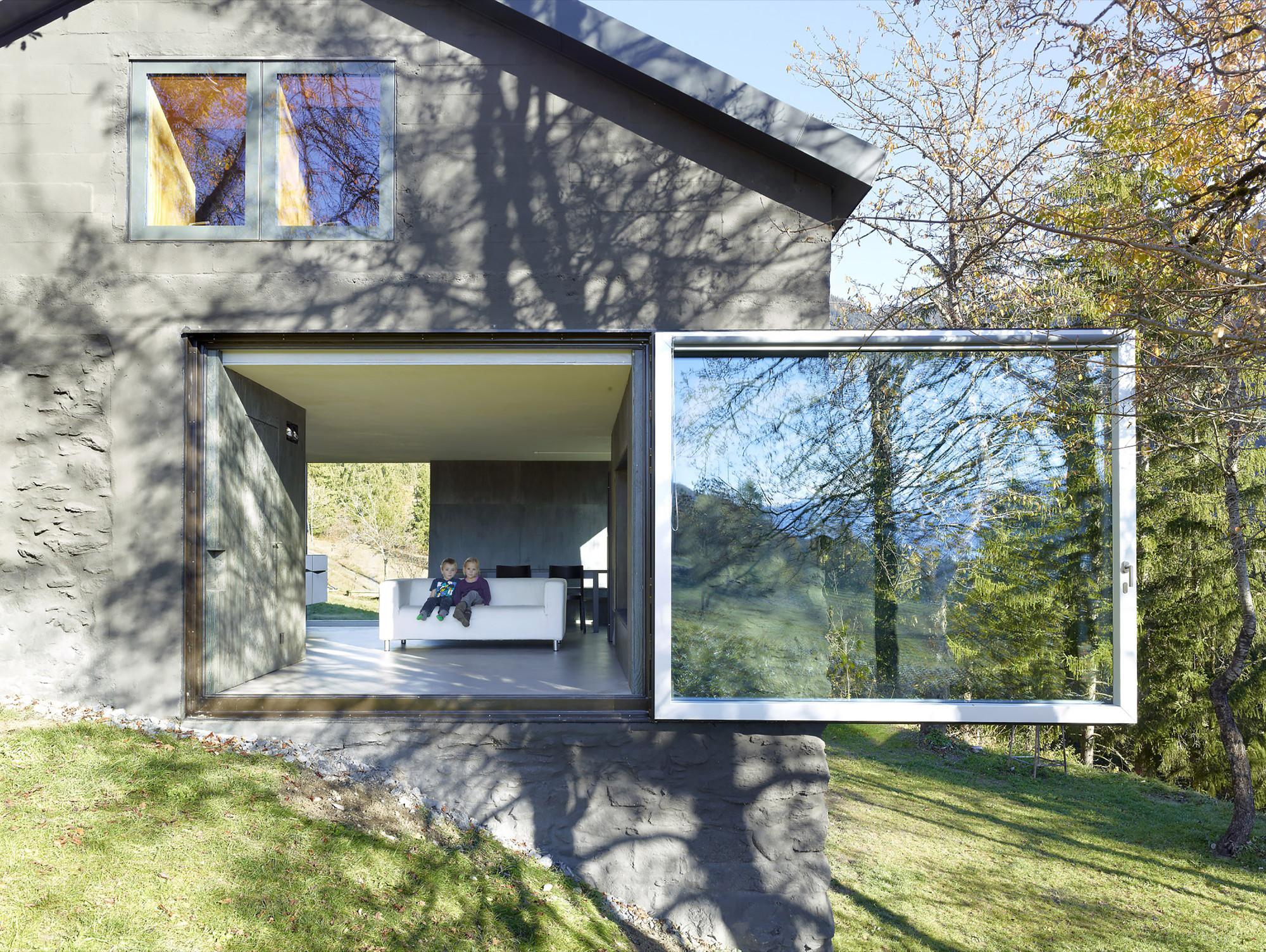 Savioz House / Savioz Fabrizzi Architectes, © Thomas Jantscher
