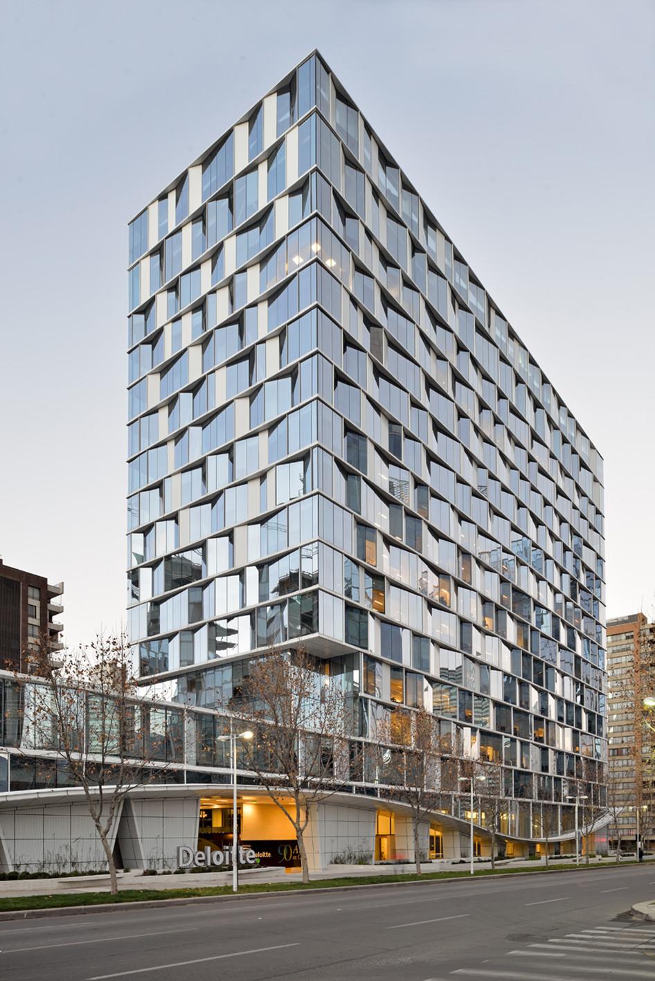 Deloitte building cfa cristi n fernandez arquitectos for Hotel design facade