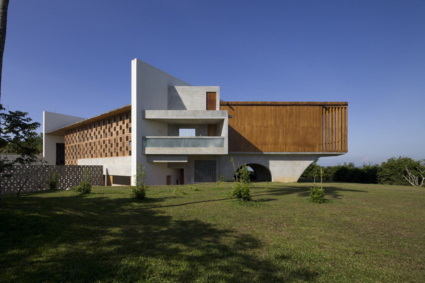 Villa vista shigeru ban architects archdaily for Villa architect