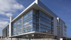 John Edward Porter Neuroscience Research Center - Phase II / Perkins+Will