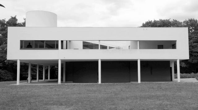 Recorriendo La Villa Savoye de Le Corbusier